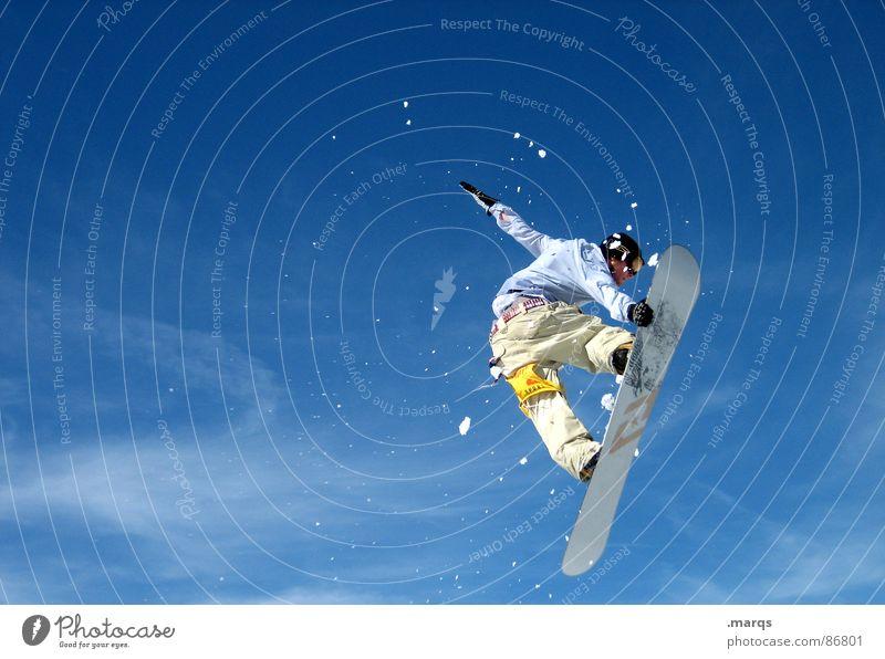 Heading South Freude Winter kalt Bewegung Schnee Stil Sport springen Geschwindigkeit hoch Schönes Wetter berühren Körperhaltung sportlich Wolkenloser Himmel Konzentration