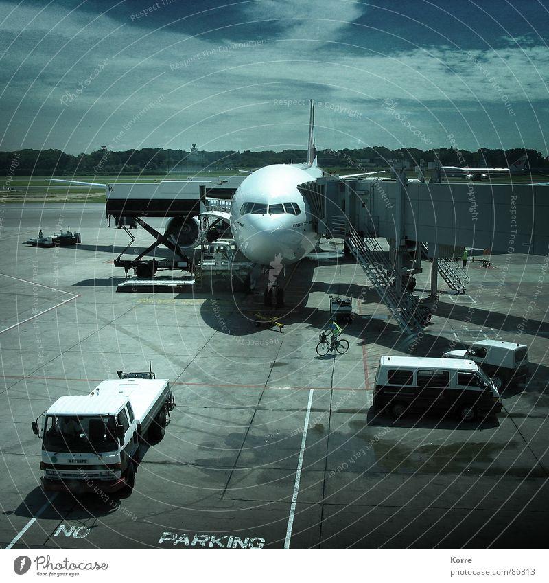 Welcome to Singapore blau Ferien & Urlaub & Reisen grau fliegen Flugzeug Luftverkehr Ziel Güterverkehr & Logistik Flughafen Handel Wirtschaft liefern Versand