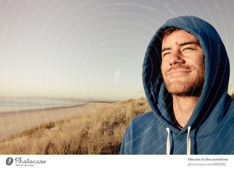 einfach mal raus. Natur Ferien & Urlaub & Reisen Jugendliche Mann Sommer Meer Erholung Strand Junger Mann Ferne Erwachsene Leben Glück Freiheit maskulin Freizeit & Hobby