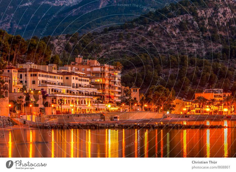 Abends am Meer Ferien & Urlaub & Reisen Sommer Sonne Erholung Strand Berge u. Gebirge Leben Schwimmen & Baden Freiheit Felsen Zufriedenheit Tourismus genießen