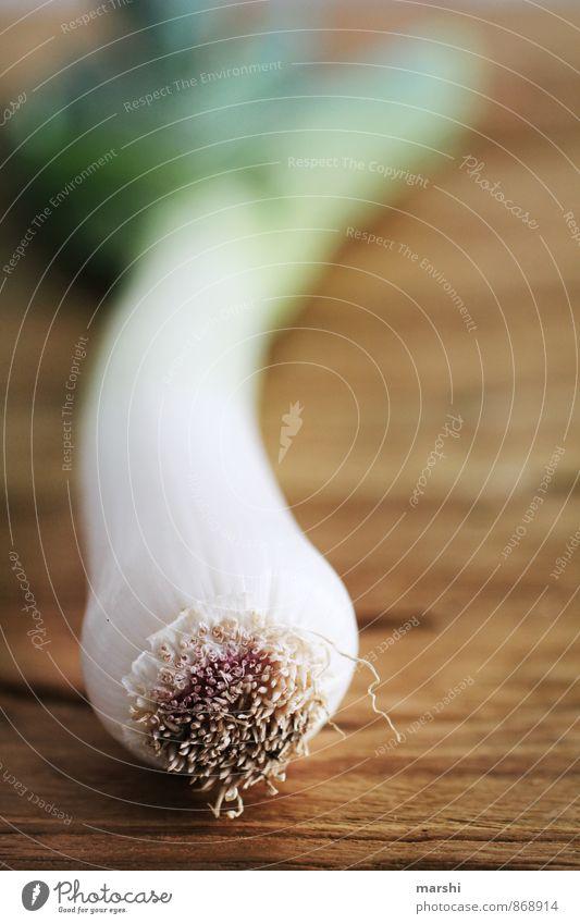 ausgelaucht grün weiß Gesunde Ernährung Essen Lebensmittel Bioprodukte Diät Vegetarische Ernährung Holztisch Porree Lauchgemüse