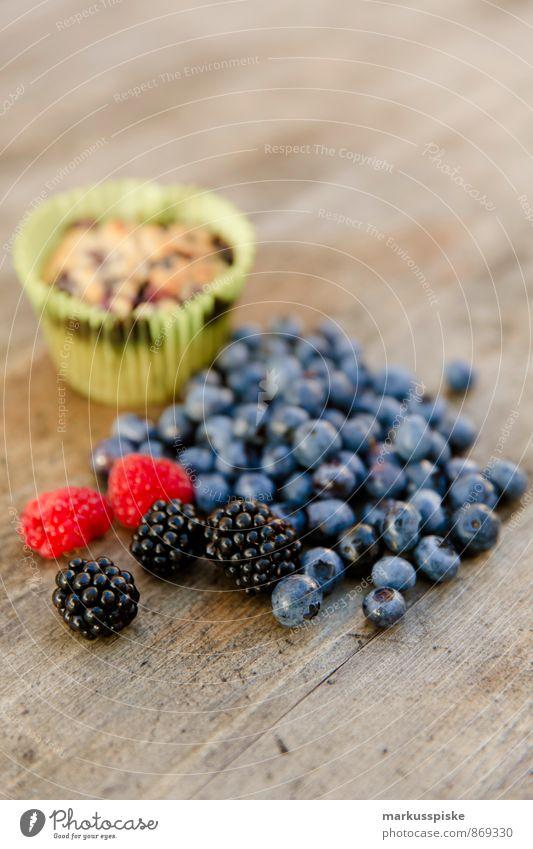 Heidelbeer Muffin Lebensmittel Frucht Getreide Teigwaren Backwaren Dessert Süßwaren Blaubeeren Brombeeren Himbeeren Ernährung Essen Lifestyle Übergewicht
