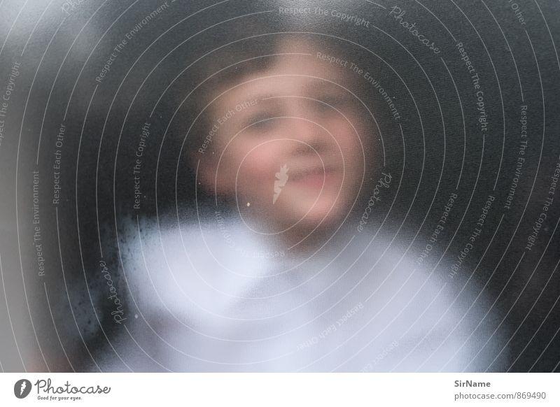 269 [scharf unklar] Kinderspiel Häusliches Leben Kindererziehung Schule Schulgebäude Klassenraum Schulkind Junge 1 Mensch 3-8 Jahre Kindheit Fenster Glasscheibe