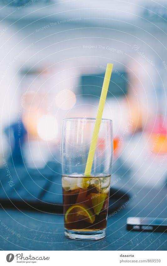 Limette Frucht Getränk Alkohol Kuba Libre Rum Cocktail Trinkhalm Lifestyle elegant Stil Freude Leben harmonisch Freizeit & Hobby Nachtleben Entertainment