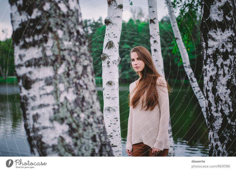 Natur Jugendliche schön Wasser Baum Junge Frau Landschaft Freude Leben feminin Stil Glück Denken Gesundheit außergewöhnlich Freizeit & Hobby