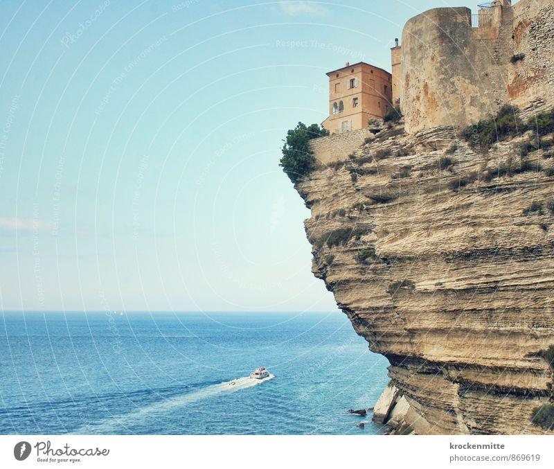 Zimmer mit Aussicht blau Meer Haus Strand Fenster Küste Gebäude Stein außergewöhnlich Felsen Horizont Wellen Insel Hügel fahren Bucht