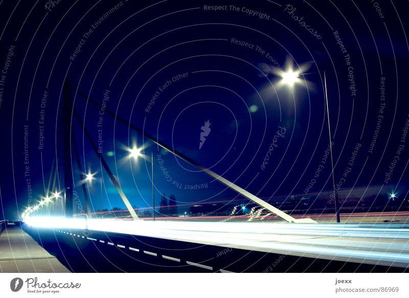 Leuchtspuren III Natur ruhig Straße Umwelt PKW Brücke Nacht Autobahn Bürgersteig Verkehrswege Stress Abgas Kurve Straßenbelag Straßenbeleuchtung Scheinwerfer