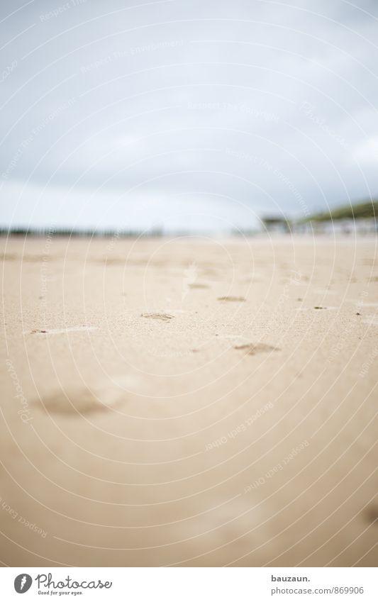 strandlauf. Wohlgefühl Zufriedenheit Erholung Ferien & Urlaub & Reisen Tourismus Sommer Sommerurlaub Strand Natur Himmel Wolken Horizont Klima Küste Meer