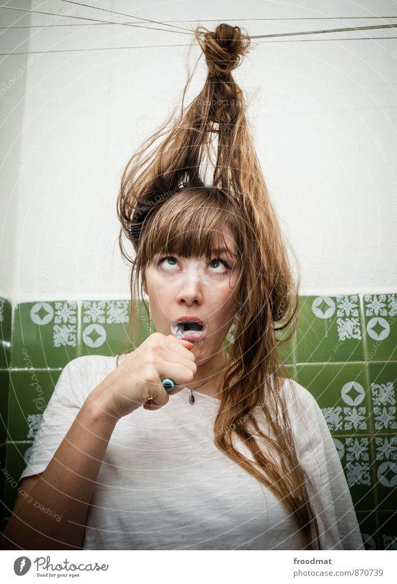 Multitasking Mensch Jugendliche Junge Frau lustig feminin Gesundheit Haare & Frisuren Party Geburtstag blond retro Körperpflege Fliesen u. Kacheln brünett