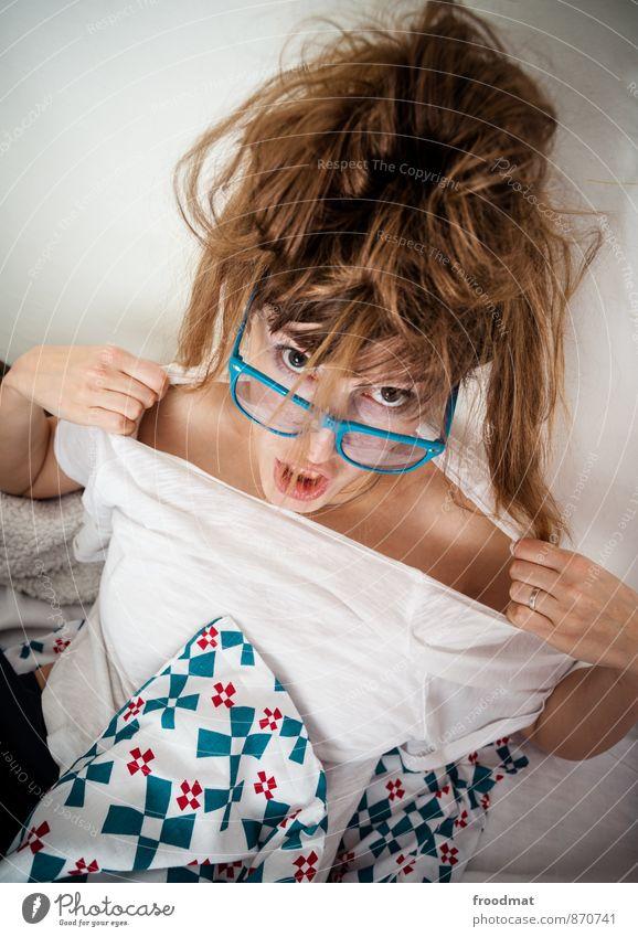 aufriss Mensch Frau Jugendliche schön Junge Frau Erotik Freude Erwachsene feminin Haare & Frisuren Party wild Geburtstag blond verrückt Brille