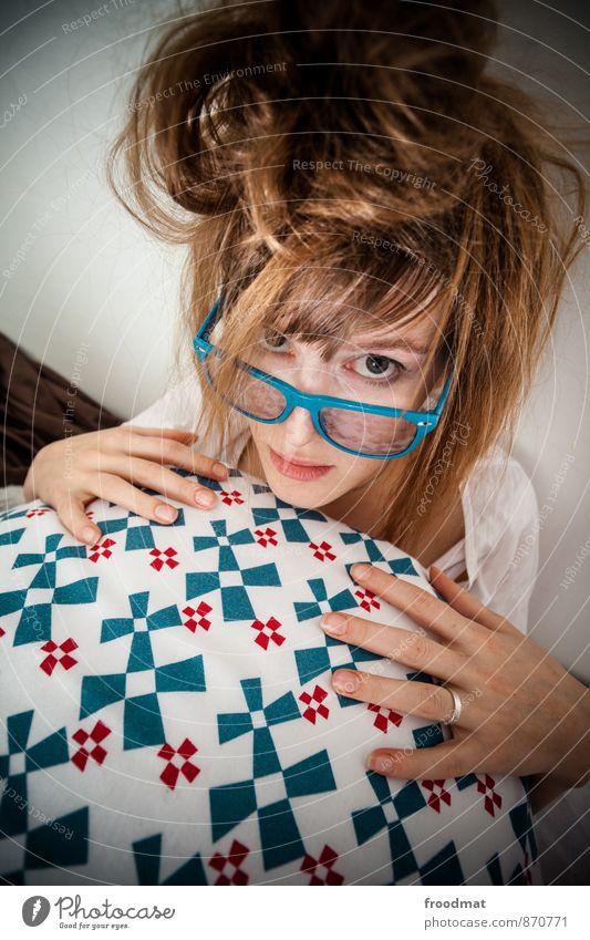 bestätigungsbrille Silvester u. Neujahr Geburtstag Mensch feminin Junge Frau Jugendliche Erwachsene 1 Ring Brille brünett blond langhaarig schön nerdig trashig