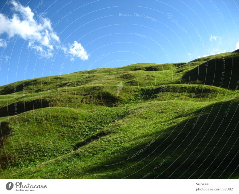 Wiese schön Himmel grün Gras Berge u. Gebirge Landschaft ästhetisch Rasen Sauberkeit Alm himmlisch geschmackvoll