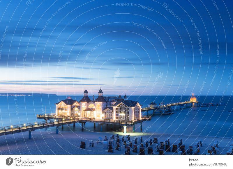 Seebrücke Himmel blau schön Wasser Wolken Haus schwarz gelb Küste Horizont Tourismus Idylle Insel Schönes Wetter Ostsee Sehenswürdigkeit