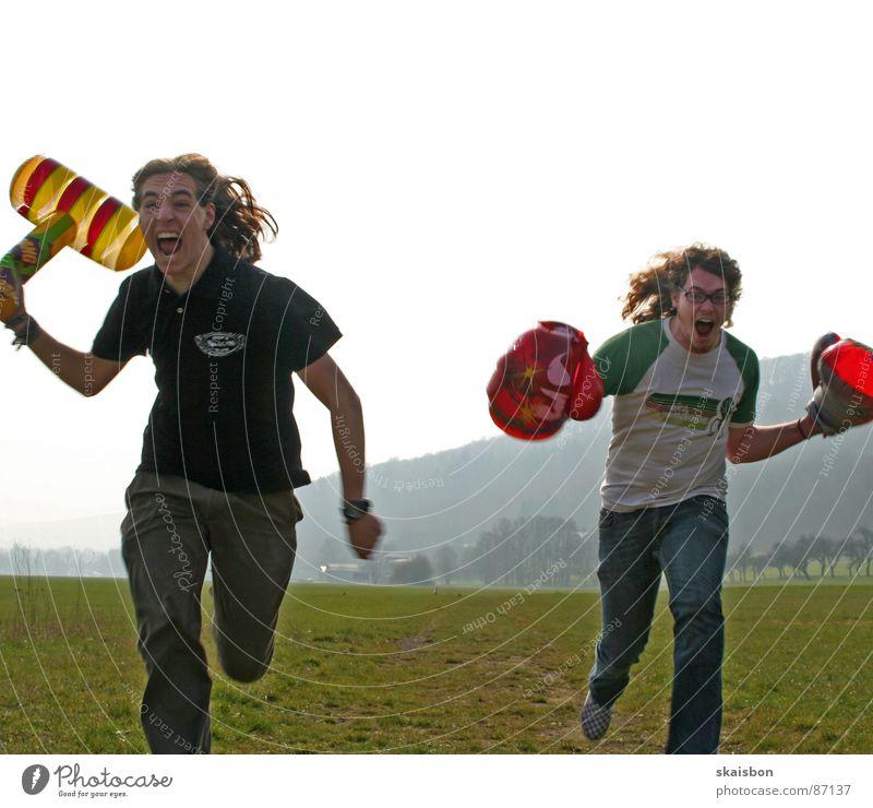 unfug mit urkraft Freude Luft lustig Kraft Angst gefährlich Aktion Spielzeug Wut schreien Krieg kämpfen Sportveranstaltung Witz Aggression