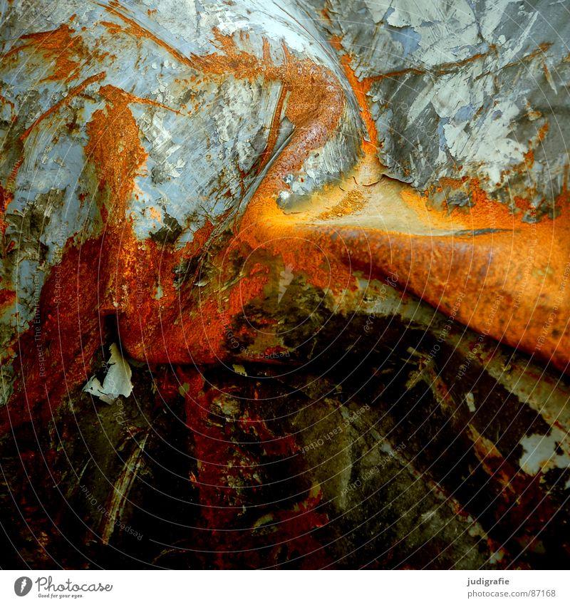 Spuren Farbe Metall Industrie kaputt Vergänglichkeit Verfall Rost schäbig Furche Zerstörung Hecke Lack Schrott abblättern Schaden zerstören