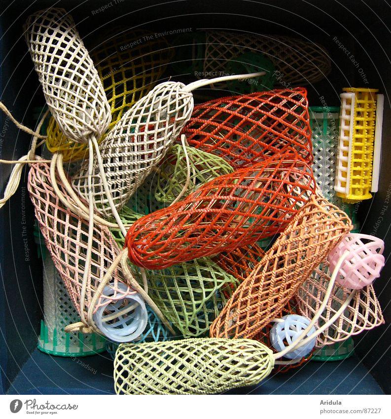 lockenwickler no.2 Lockenwickler Draht Haare & Frisuren zurechtmachen skurril antiquarisch verwickeln seltsam bizarr Gänsehaut schön obskur Farbe Netz