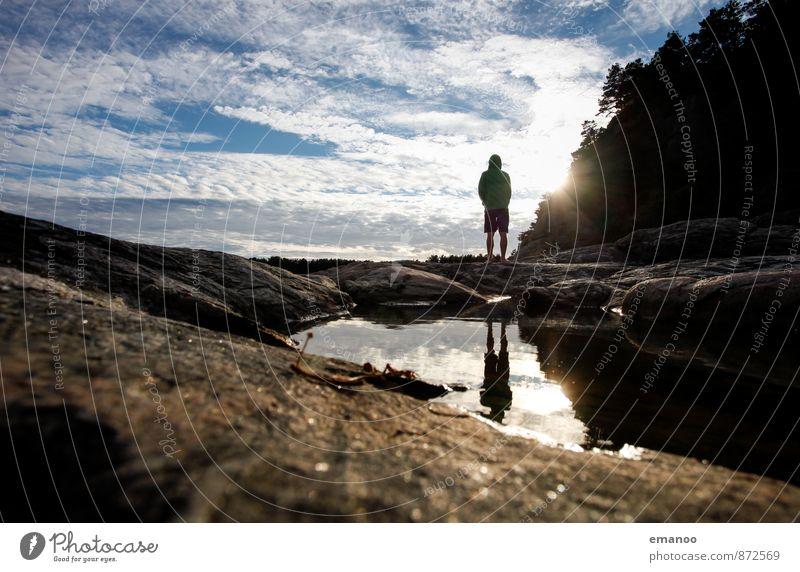 Silhouettenseespiegelung in Südskandinavien Lifestyle Freude ruhig Ferien & Urlaub & Reisen Abenteuer Ferne Freiheit Sommer Berge u. Gebirge wandern Mensch Mann