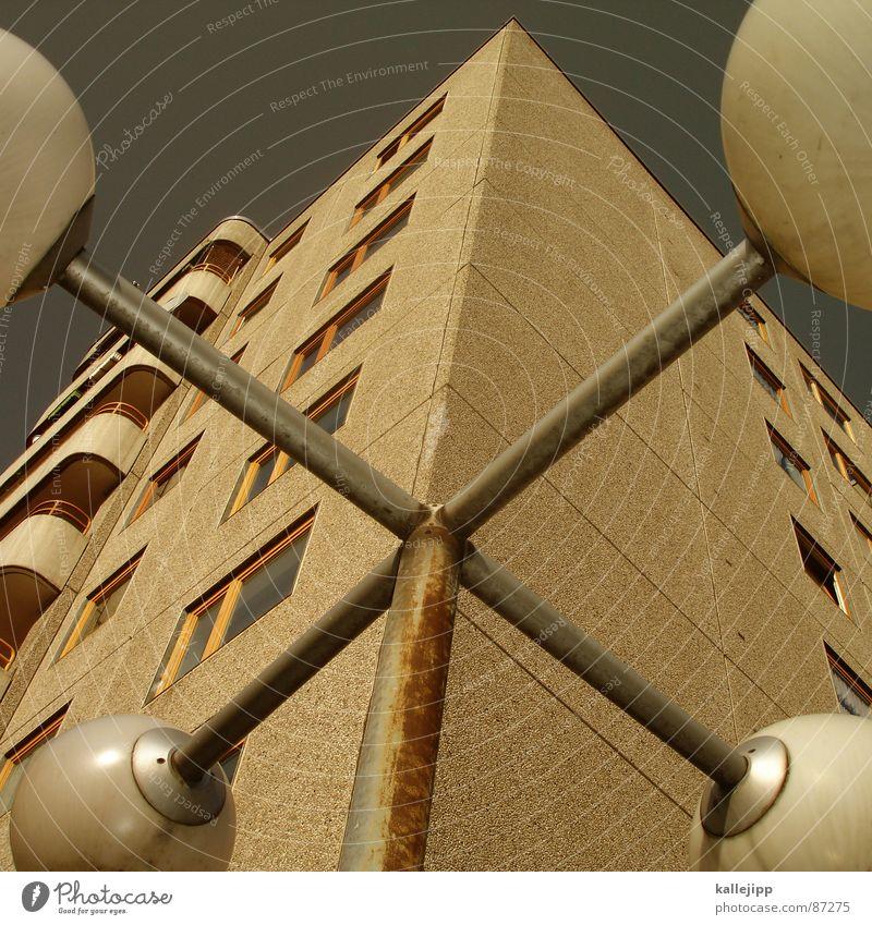 X Himmel Haus Wand Architektur Mauer Stein Raum Häusliches Leben Backstein Laterne Weltall Osten UFO Alexanderplatz Astronaut