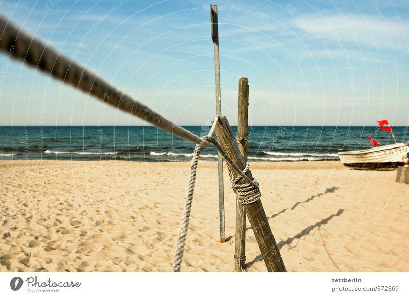 Fischerei Himmel Ferien & Urlaub & Reisen Wasser Sommer Meer Erholung Strand Ferne Küste Holz Sand Wasserfahrzeug Horizont Wellen Textfreiraum Ostsee