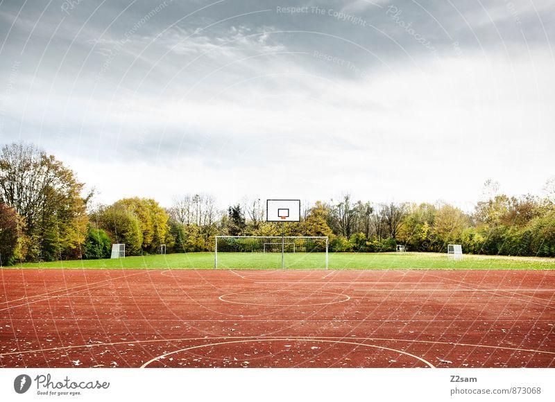SPIEL R A U M Himmel Natur grün Sommer Baum Einsamkeit rot Landschaft ruhig Ferne Sport Spielen Gesundheit Schule Freizeit & Hobby Ordnung