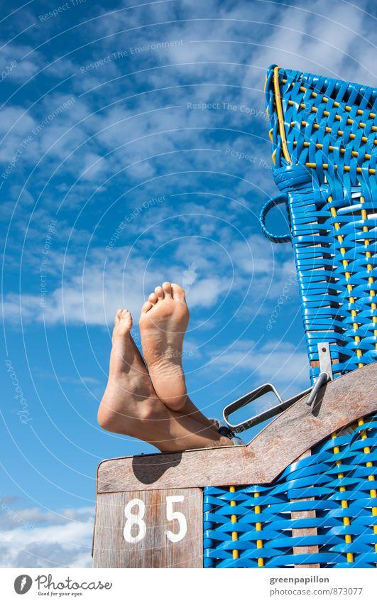 Urlauber Pediküre Ferien & Urlaub & Reisen Sommer Sommerurlaub Sonne Sonnenbad Strand Meer Insel Wassersport Fahrradfahren Schwimmen & Baden Fuß Füße hoch