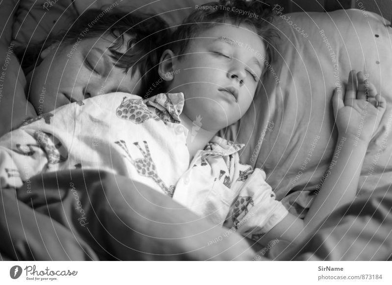 275 [ausschlafen] Mensch Kind Jugendliche schön Erholung Junge Frau ruhig Erwachsene Wärme Gefühle Liebe Gesundheit Stimmung liegen träumen