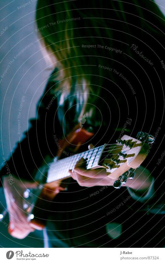 While my guitar gently weeps Spielen Dachboden Konzert Musik Gitarre rote gitarre Schnur Musiker