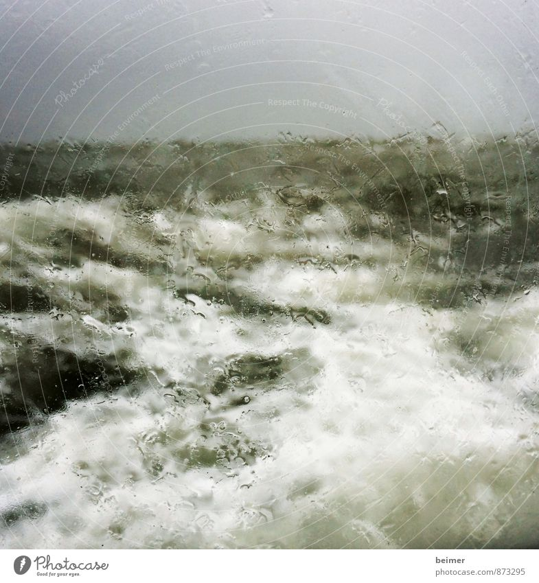 Sturm2 Natur Wasser schlechtes Wetter Unwetter Wind Regen Nordsee Meer bedrohlich nass grau grün schwarz weiß Angst Einsamkeit Wut Zerstörung Gedeckte Farben