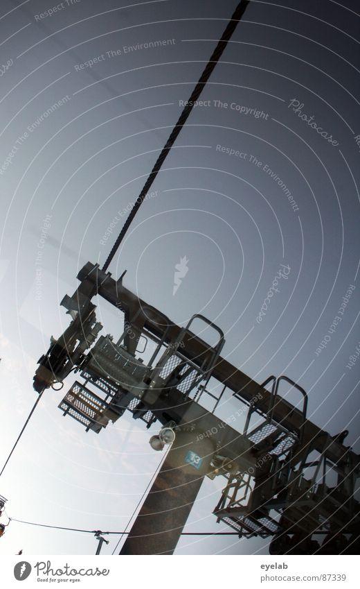 87339 Himmel Sonne Freude kalt Schnee Berge u. Gebirge hoch Seil Ecke Technik & Technologie Schönes Wetter Stahl tief aufwärts Fahrstuhl abwärts