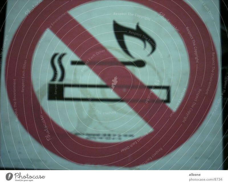 offenes Feurer verboten Brand Industrie Rauchen Verbote Streichholz Warnschild