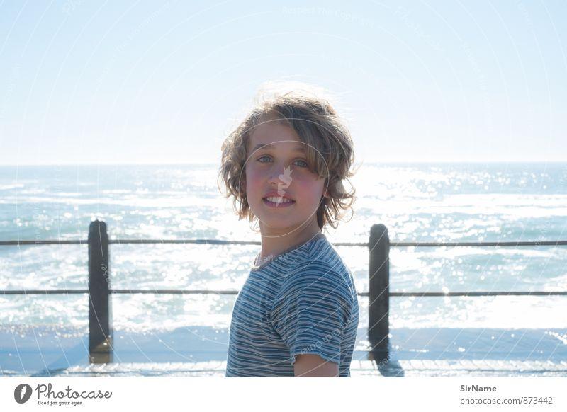 281 [sea side] Lifestyle Freude Fitness Leben Ferien & Urlaub & Reisen Sonne Meer Junge Kindheit Jugendliche Mensch 8-13 Jahre Wolkenloser Himmel Sonnenlicht