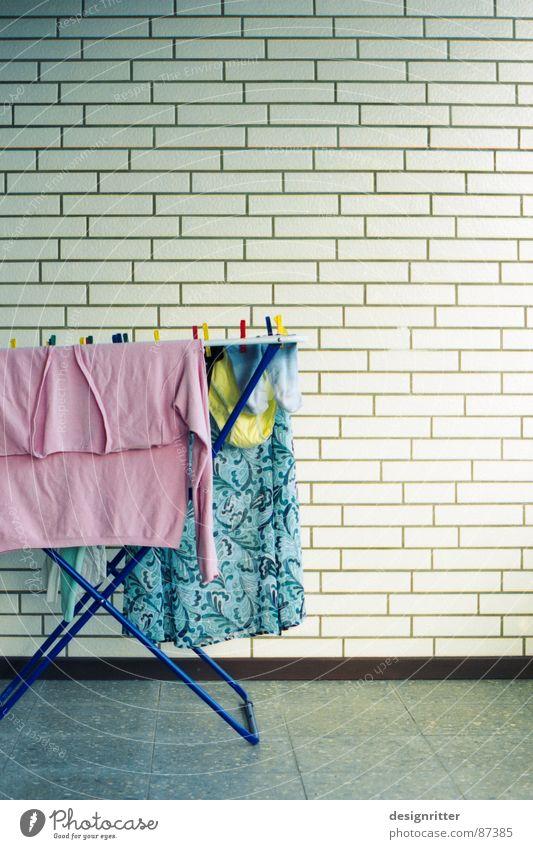 Wäsche gelb rosa Strümpfe bleich Unterhose Haushalt Pastellton Wäschetrockner