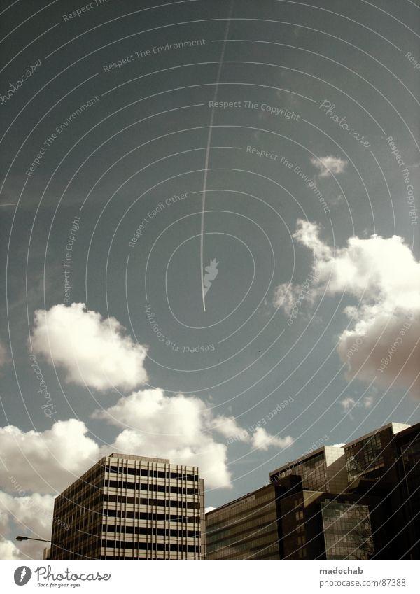 DON'T DRINK AND FLY Himmel Stadt blau Wolken Haus Fenster Leben Architektur Gebäude Freiheit fliegen oben Arbeit & Erwerbstätigkeit Wohnung Design Wetter