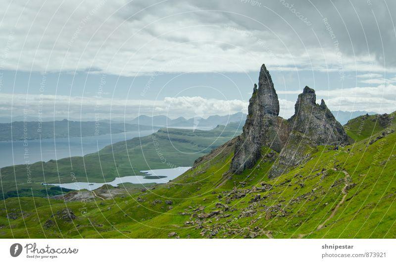 Old Man of Storr III | Isle of Skye, Scotland Natur Ferien & Urlaub & Reisen Sommer Landschaft Umwelt Berge u. Gebirge Gras Freiheit Felsen Wetter Wind