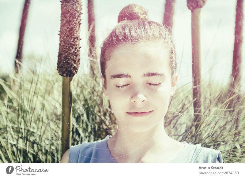 Meditation im Schilf Mensch Frau Kind Natur Jugendliche schön Sommer Erholung Erwachsene Leben feminin Glück Gesundheit Lifestyle authentisch 13-18 Jahre