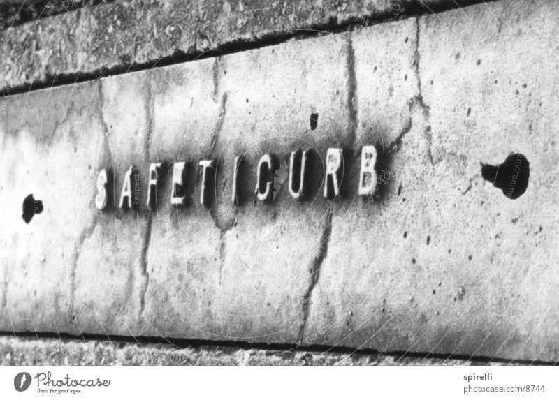 safeticurb Straße Buchstaben Dinge Musik Typographie Symbole & Metaphern