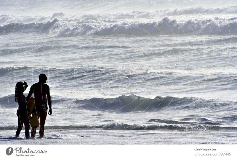 Baywatch ohne Opfer Frau Wasser Meer Paar Wellen paarweise stehen Schwimmen & Baden Idylle Brandung Portugal September