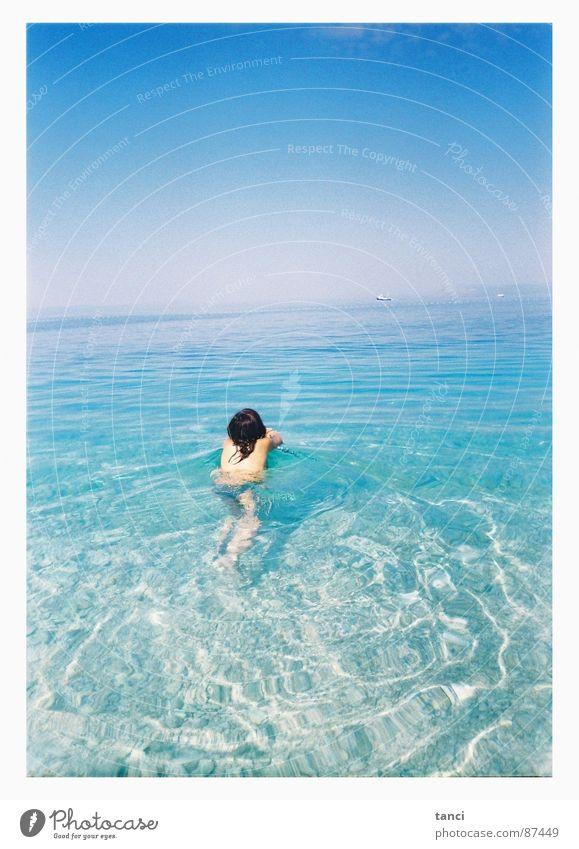 Früh morgens Meer Frau nass Sommer Kroatien Lomografie Wasser Himmel Rücken Mittelmeer wasser... wasser liebend warme Jahreszeit über wasser halten