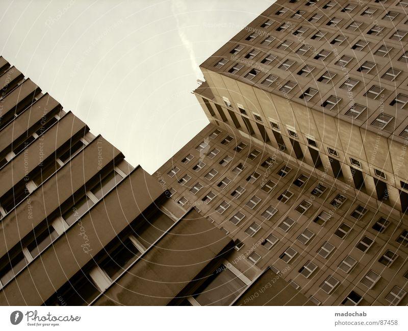 KONKURRENZDRUCK Haus Hochhaus Gebäude Material Gleichgültigkeit Studentenwohnheim Fenster live Block Beton Etage trist dunkel Leidenschaft Spiegel Vermieter