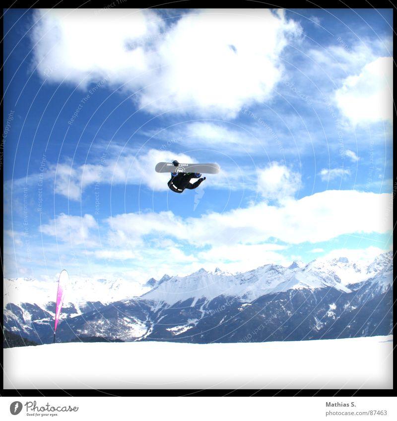 900° Flip Sonne Wolken Freude Winter Berge u. Gebirge Schnee Stil Sport fliegen springen Freizeit & Hobby Luft hoch Alpen Schneebedeckte Gipfel Mut
