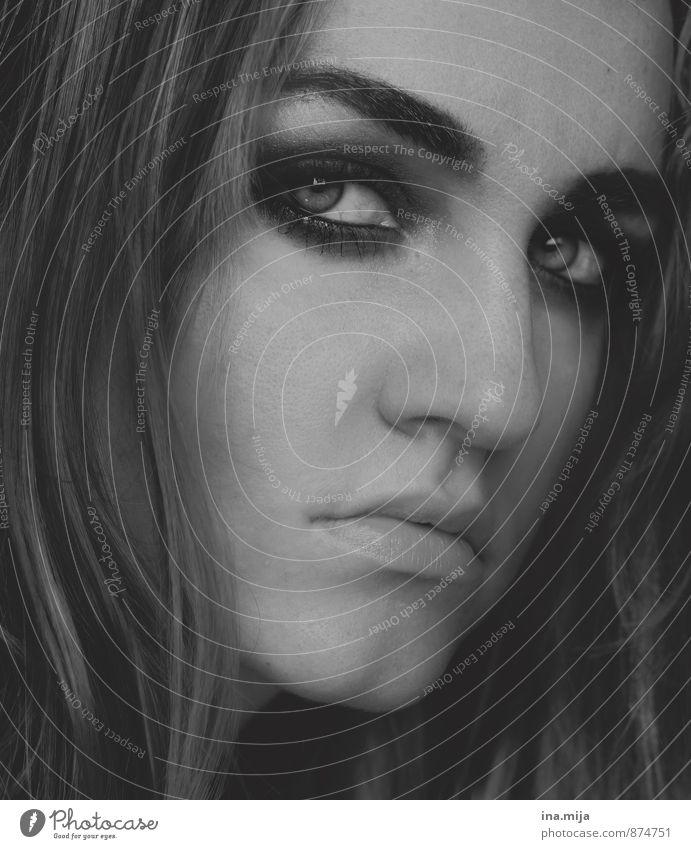 weibliches Gesicht Mensch feminin Junge Frau Jugendliche Erwachsene 1 13-18 Jahre Kind 18-30 Jahre Traurigkeit Gefühle Stimmung Laster Sorge Trauer Unlust