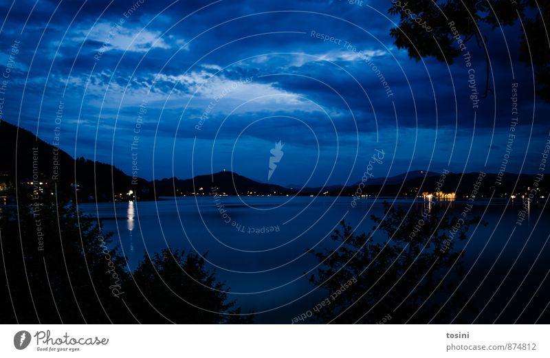 Himmel und mehr Umwelt Natur Landschaft Wasser Wolken Nachthimmel Klima Unwetter Seeufer Bucht blau geheimnisvoll mystisch Licht Reflexion & Spiegelung dunkel
