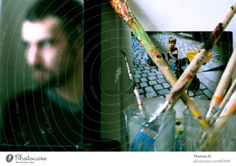 Multimedialer Zugang Kunst Medien multimedial Kunsttherapie Pinsel Selbstportrait produzieren Fotografie Becher Kunsthandwerk zeichnen streichen
