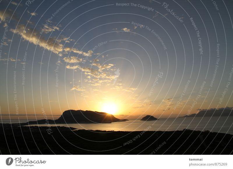 La Maddalena Natur Landschaft Sand Luft Wasser Himmel Wolken Sonne Sonnenaufgang Sonnenuntergang Sonnenlicht Sommer Herbst Schönes Wetter Wärme Küste Strand