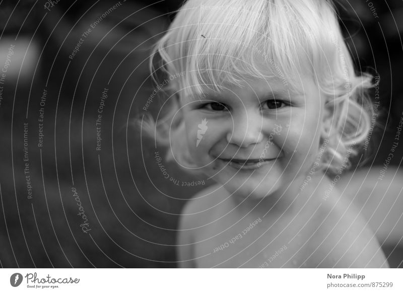 Sonne im Herz Spielen Sommer Kindererziehung Mensch androgyn Kleinkind Kindheit Leben Kopf Gesicht 1 1-3 Jahre blond Locken beobachten Lächeln lachen leuchten