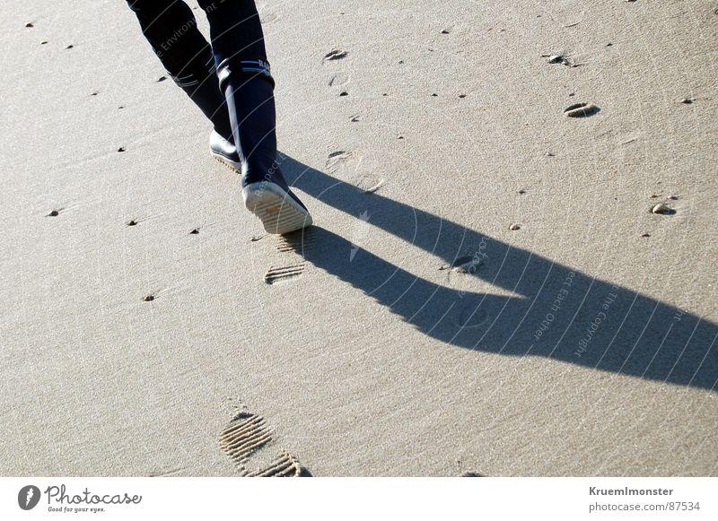 Gummistiefel Sylt Erde Sand Spuren sandspuren Schatten Beine Fuß