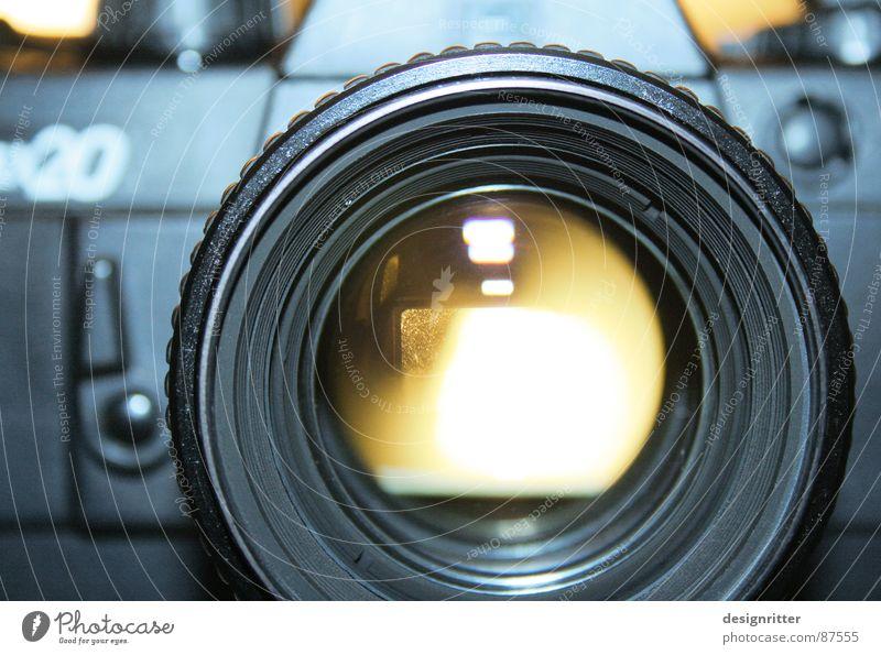 analoger Durchblick Fotokamera Fotografie Praktica BX 20 Carl Zeiss Jena 1.4 camera sharp
