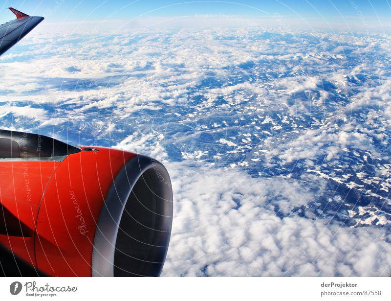 ORANGE-BLAU-WEISS Bla Flugzeug Tragfläche Passagierflugzeug Bergkamm Eischnee orange weiß Fluggerät Bergkette Düsenflugzeug Globus Luftverkehr Erdfall Himmel