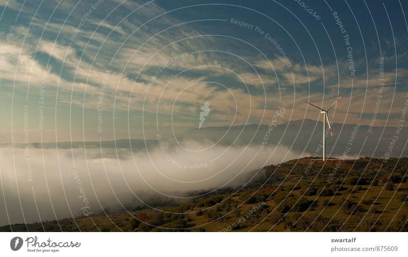 Ein Tag im Windpark Erneuerbare Energie Windkraftanlage Industrie Landschaft Himmel Wolken Herbst Klima Wetter Nebel Hügel Abenteuer Stimmung Farbfoto