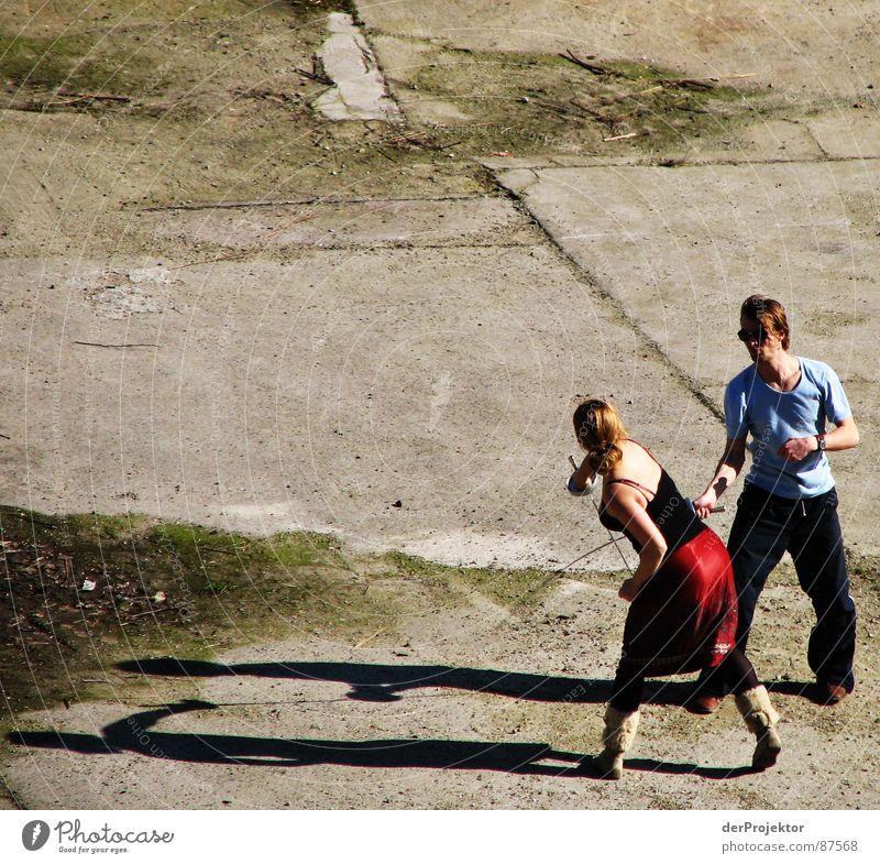 Asphalt-Duell 3 Degen Fechten Frau Kraft Schatten kämpfen